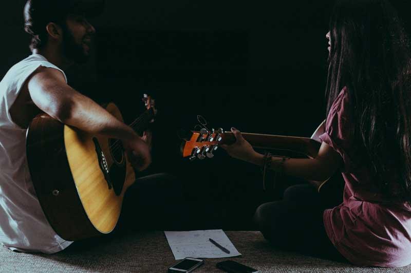 mejores guitarras folk